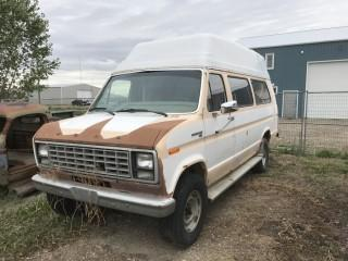 1982 Ford E250 Econoline 3/4 Ton Raised Roof Travel Van Not Running. S/N 1FTHS35G3CHB34673.