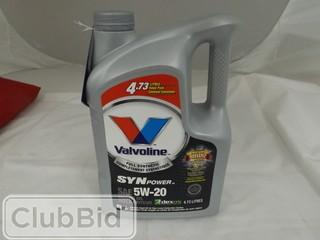 Qty of (2) Valvoline 4.73L Full Synthetic SynPower SAE 5W-20 Motor Oil