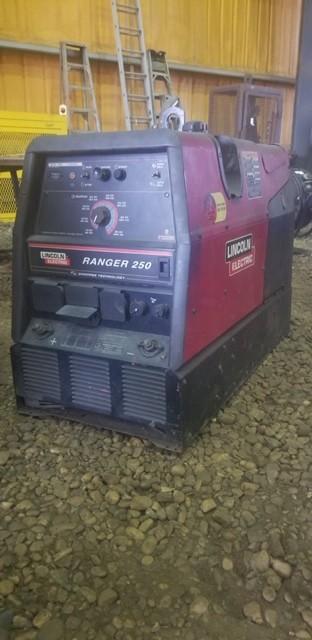Lincoln Electric Ranger 250 Welder. SN U1030405010