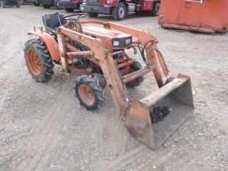 Kubota B4200D Tractor C/w 6-Speed, Frt Wheel Assisr, 540 PTO, 3pt Hitch, 1620 Front End Loader w/ 39in Bucket. Showing 1921Hrs. SN B4200D51496 *Note: No 3pt Hitch Arms On Unit*