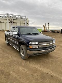 2000 Chevrolet LS 2500 4X4 Extended Cab c/w 6.0L, A/T, Showing 288,139 KMS. VIN # 1GCGK29U4YE424631