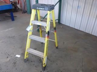 Featherlite 4ft Step Ladder