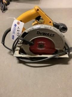Dewalt 7 1/4in Circular Saw