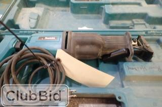Makita JR3000VT Reciprocating Saw.