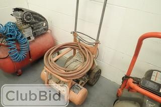 Ridgid  2 1/2 Gallon Air Compressor.