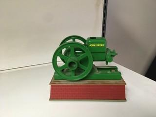 John Deere Battery Operated Hit & Miss Motor 1:16 Scale Ertl Diecast Model.
