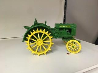 1993 Two Cylinder Center John Deere Model C 1:16 Scale Ertl Diecast Tractor.