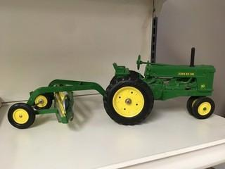John Deere 70 with Hay Rake 1:16 Scale Ertl Diecast Model.
