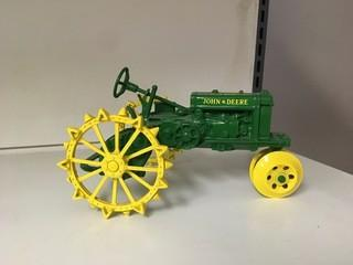 John Deere General Purpose Wide Tread 2 Cylinder Expo IV 1:16 Scale Ertl Diecast Model, Missing Seat.