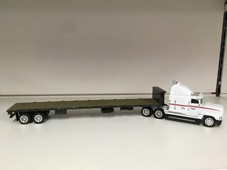 Tonkin Freightliner 1:50 Scale Bobcat Semi & Trailer Diecast Model.