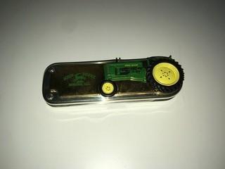 John Deere Pocket Knife.
