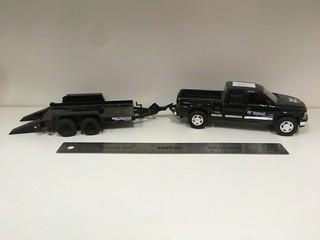 Welly Diecast 1999 Chevy Silverado 1500 Truck & Trailer Scale 1:25.