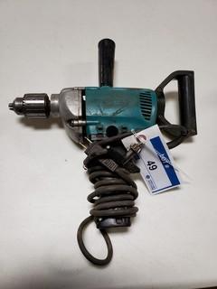 Makita 5/16in - 1/2in Power Drill