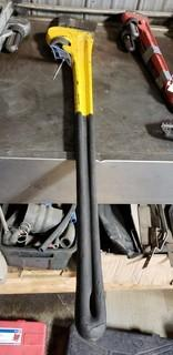 (1) Powerfist 48in Heavy Duty Pipe Wrench