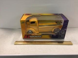 D-Rods 1947 Ford COE Diecast Model, 1:24 Scale.