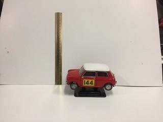 1964 Mini Cooper Diecast Model, 1:16 Scale.