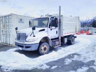 2009 International S/A Refuse Truck