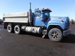 Mack T/A R754ST T/A Gravel Truck