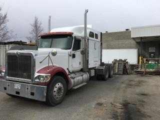Selling Offsite - 2000 International 9900i T/A Truck Tractor