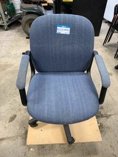 Cloth Adjustable Task Chair