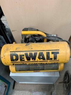 Dewalt D55151 4 Gal 60Hz 120V Air Compressor