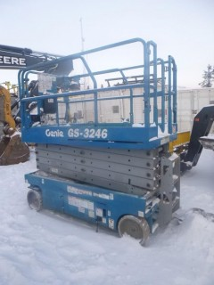 Genie 3246 Scissor Lift, 32 Ft Height C/w Joystick Control, Power to Platform. Showing 315hrs *Note: Running Condition Unknown*