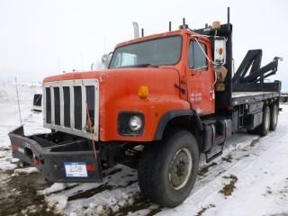 1991 International 2674-6X4 Deck Truck with Picker, C/w Cummins 400, 400HP, Eaton 18 Speed Manual, Rear Picker Unit (No Numbers), Showing 493199 KM, 9119 Hours, VIN 1HTGLADTXMH331274