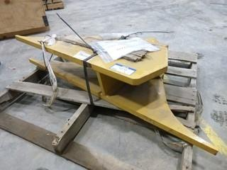 CAT Dozer/Crawler Swivel Hitch, Trunnion As 1285142 (Outside)