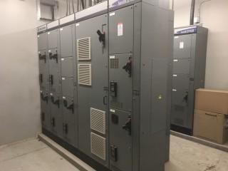 Allen Bradley IntelliCenter 5 Bank 800 AMP Control Center S/N LGQL17/2.