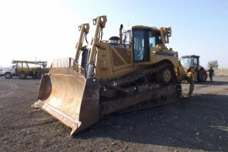 2005 Cat D8T Crawler Dozer - Repo showing 10,649 hours c/w ROPS, Cab, A/C, Heat, SU Blade, Single Tilt, 4 BBL Multi Shank Ripper.   Note  Work Orders Available.