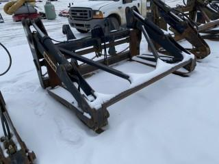 "Brandt Wheel Loader Pipe Grapples, Fits John Deere 524/624, Center to Center 39.5"""