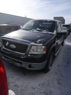 2006 Ford F150 Ext Cab Lariat 4X4, C/W 5.4L V8, A/T , Showing 221,322KM VIN 1FTPX14506NB09754, *Note Front Tire Flat*