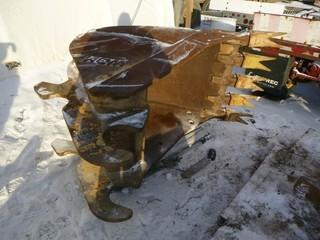 """38"""" Wide Dig Bucket With Frost Teeth c/w to fit Excavator"""