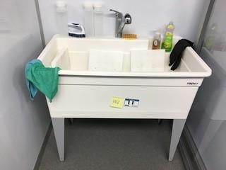 Tub Sink