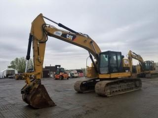 2012 Cat 328D LCR Excavator c/w Q.A., Aux. Hydraulics. Showing 8,687 Hours. S/N CAT0328DKRMX00729.