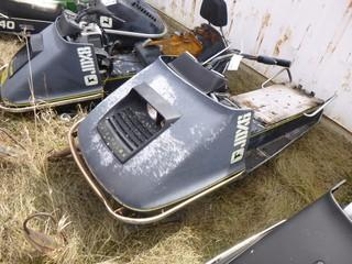 John Deere JDX6C Snowmobile *Note: Parts Only*