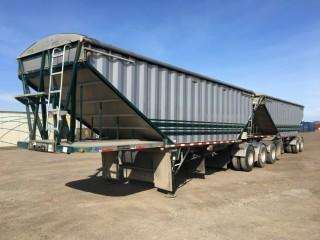2009 Lode King Super B Grain Trailer c/w Lift Axles, Lead S/N 2LDHG28359F049207, Pup S/N 2LDHG30269F049208. Note: New Tarps Installed 2019, Air Bags and Brakes Replaced 2018.