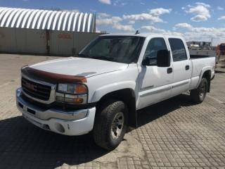 2007 GMC Sierra Classic 2500 HD SL 4x4 Crew Cab P/U Showing 251,371 Kms. S/N 1GTHK23U47F196233. Note: Requires Repair.