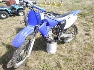 2000 Yamaha 450 Dirt Bike. VIN: JYACJ01C0YA001041