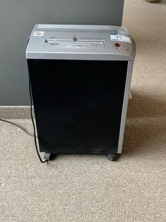 Fellowes DM17CS Paper Shredder.