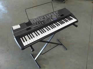 Casio Electric Keyboard CTK-720 w/Stand