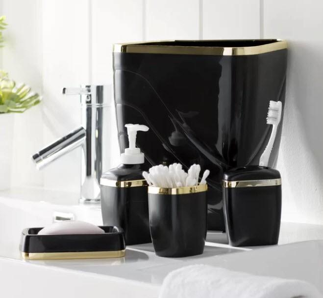 Toronto Liquidation Center - May 7 - North American Online Retailer of Home, Décor, Kitchen Cabinets, Luggage, Patio & Yard Clearance Auction - up to 85% Off Retail List