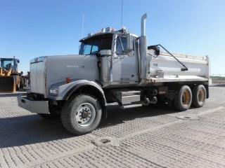 2004 Western Star 4900FA T/A Gravel Truck
