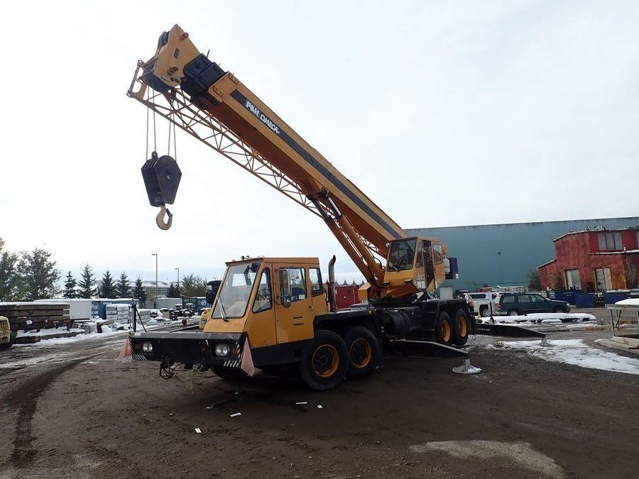 ClubBid - Auction: Calgary, AB- Unreserved Timed Online