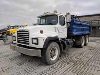 Mack RD688S T/A Gravel Truck c/w Mack E7, 350 HP, 10 Spd, 15' Steel Gravel Box. Showing 817232 Kms.