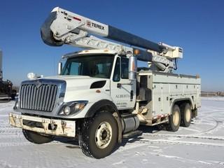 2008 International 7500 Series T/A Bucket Truck c/w Maxx Force 10 Diesel, Auto, A/C, Air Ride Susp., Hi-Ranger HRX-55 S/N 2070834706, 315/80R22.5 Front, 11R22.5 Rear Tires. S/N 1HTWNAZRX8J642625