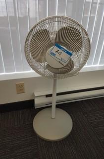 Holmes Pedestal Fan