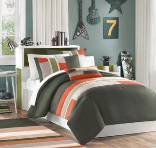 Woltjen Reversible Comforter Set, Twin