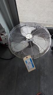 """Air Master 18"""" Floor Fan"""