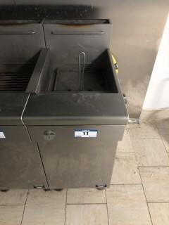 Quest MV40/130 130,000 BTU Twin Basket Deep Natural Gas Fryer.